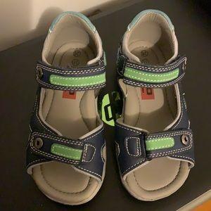 EUC Boys BKO sandals SZ-11